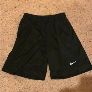 Large Nike black mesh basketball shorts